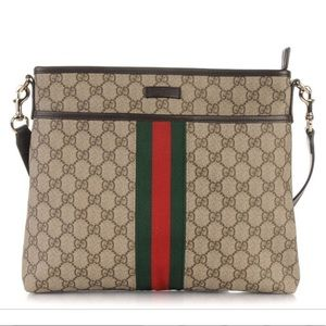 Gucci GG supreme coated canvas messenger bag